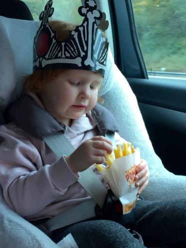 Bei Autofahrten mit Kindern etwas besonderes einbauen