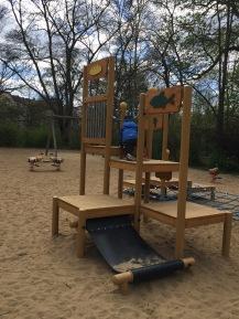 Kletterturm für die Kleineren auf dem neue Spielplatz in Weisensee