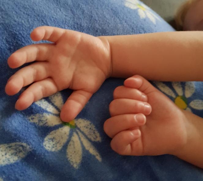 kleine kinderhände